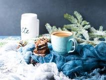 Пирожные и кофе плавленого сыра с молоком Стоковое Изображение RF