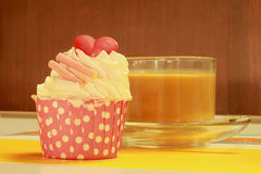 Пирожные и кофе Стоковые Фото