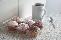 Пирожные и кофе Стоковая Фотография