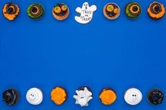 Пирожные и печенье хеллоуина Стоковые Фотографии RF