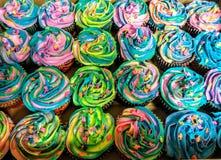 Пирожные кормы единорога Стоковая Фотография