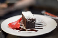 Пирожные покрытые с шоколадом стоковое изображение rf