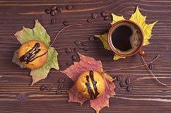 Пирожные с шоколадом и кофе Стоковое Изображение RF