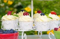 Пирожные с ягодами Стоковая Фотография