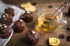 Пирожные шоколада с оранжевыми обломоками Стоковое Изображение