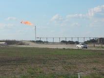 Пирофакел газа в западном Техасе Стоковые Изображения