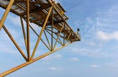 Пирофакел и небо стоковые фотографии rf