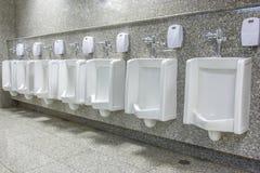 Писсуары в ванной комнате Стоковые Изображения RF