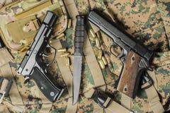 2 пистолета с ножом Стоковое Изображение RF