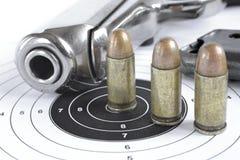 Пистолет и боеприпасы Стоковые Изображения