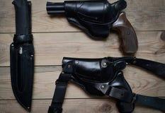 2 пистолета и нож Стоковые Фото