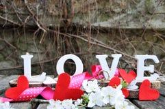 Письма говоря вне влюбленность по буквам слова Стоковая Фотография RF