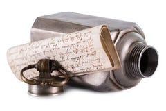 Письмо или сообщение в бутылке Стоковое фото RF