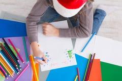 Письмо к santa, ожидание сочинительства ребенка для рождества, взгляд сверху Стоковые Изображения