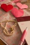 Письмо на день валентинки, origami сердец Стоковое фото RF