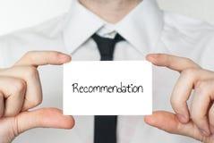 Письмо рекомендации, который держат в руке стоковое изображение rf