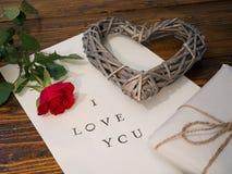 Письмо с Я ТЕБЯ ЛЮБЛЮ стоковые изображения