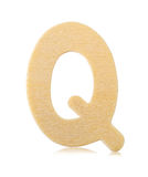 Письмо q одиночного прописного блока деревянное Стоковые Изображения