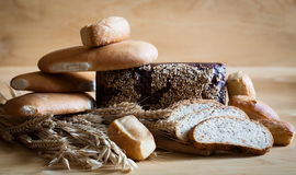Питание Хлеб сортированный с колосками! Стоковые Фотографии RF