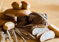 Питание Хлеб сортированный с колосками! Стоковые Изображения