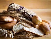 Питание Хлеб сортированный с колосками! Стоковое Изображение