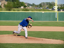 питчер бейсбола подростковый Стоковая Фотография