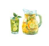 Питчер лимонада Стекло с питьем Стоковая Фотография