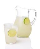 питчер limeade выпивая стекла Стоковое фото RF