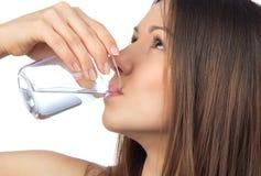 Питьевая вода женщины Стоковые Изображения RF