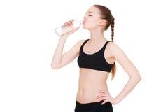 Питьевая вода Sportswoman Стоковая Фотография RF