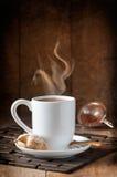 Питье горячего шоколада Стоковые Изображения RF