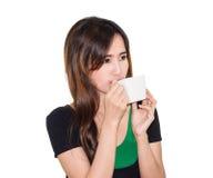 Питье девушки кофе Стоковое Фото