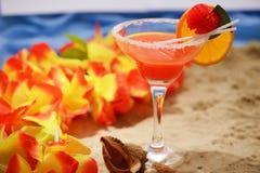 Питье лета на пляже Стоковое фото RF