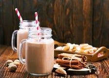 Питье какао Стоковое Фото