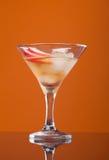 питье коктеила космополитическое Стоковая Фотография
