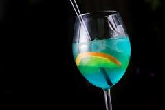 Питье коктеиля лета Стоковые Изображения RF