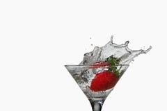 Питье коктеила клубники с выплеском Стоковое Изображение