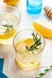 Питье коктеиля лета лимонада Розмари Стоковые Фотографии RF