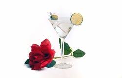 Питье коктеиля дня ` s валентинки Мартини водочки Стоковые Изображения RF