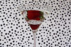 Питье коктеиля с плодоовощ клубники Стоковая Фотография