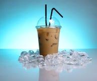питье кофе холодное Стоковые Изображения RF