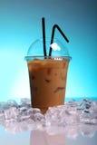 питье кофе холодное Стоковые Фото