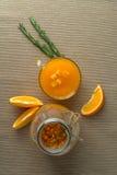 Питье крушины моря с апельсином и розмариновым маслом Стоковое Фото