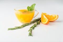 Питье крушины моря с апельсином и розмариновым маслом Стоковые Изображения
