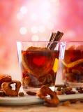 Питье с высушенными плодоовощами и ягодами стоковые изображения rf