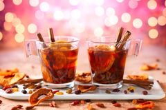 Питье с высушенными плодоовощами и ягодами стоковое фото