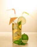 Питье с соломой Стоковая Фотография