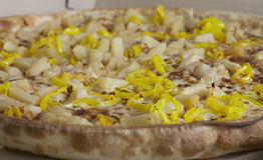 Пицца перца ананаса и банана Стоковое Изображение