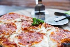 Пицца салями Стоковая Фотография