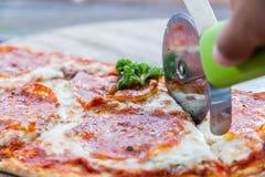 Пицца салями Стоковые Фотографии RF
